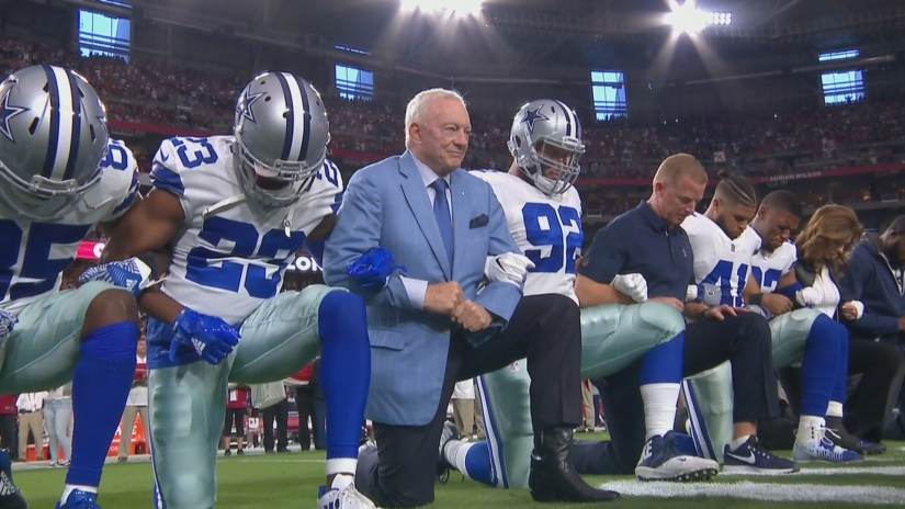 COWBOYS COLLECTIVELY TAKE A KNEE BEFORE NATIONAL ANTHEM. GETS LOUDLY BOOED FOR THEIR EFFORT