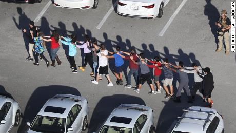 ARMED OFFICER AT PARKLAND HIGH SCHOOL RESIGNS AFTER IT'S DISCOVERED HE SOUGHT SHELTER OUTSIDE OF BUILDING DURING SHOOTING RAMPAGE