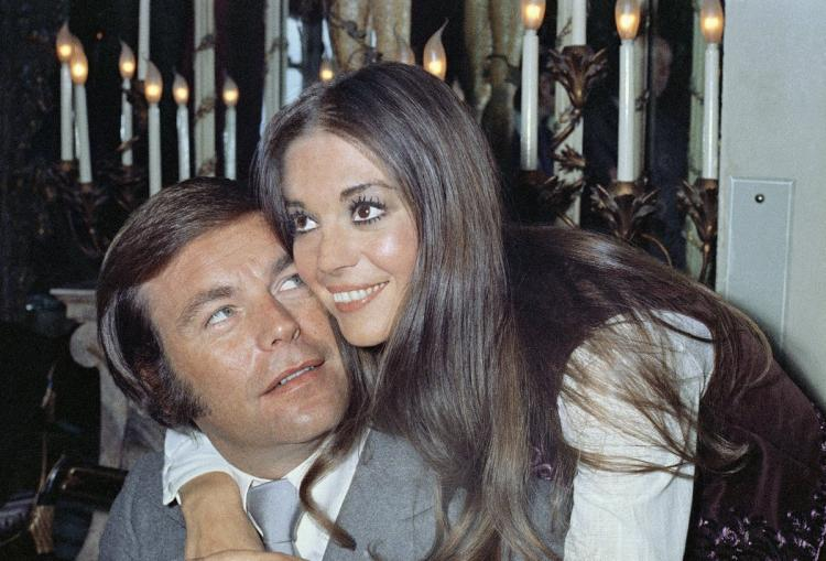 """ACTOR ROBERT WAGNER CONSIDERED """"A PERSON OF INTEREST"""" IN DROWNING DEATH OF NATALIEWOOD"""