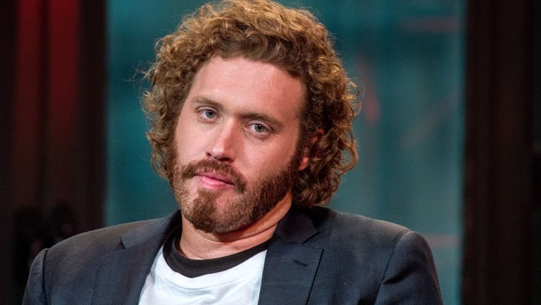 """FORMER """"SILICON VALLEY"""" STAR T.J. MILLER CHARGED WITH MAKING FALSE BOMBTHREAT"""