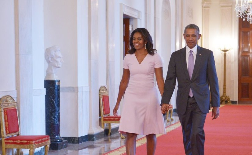 BARACK & MICHELE OBAMA INK MULTI-YEAR DEAL WITH NETFLIX
