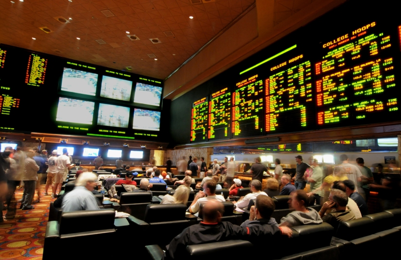SUPREME COURT STRIKES DOWN FEDERAL LAW REQUIRING STATES TO BAN SPORTS GAMBLING. WILL ALLOW SPORTS BETTING ACROSS THEU.S.