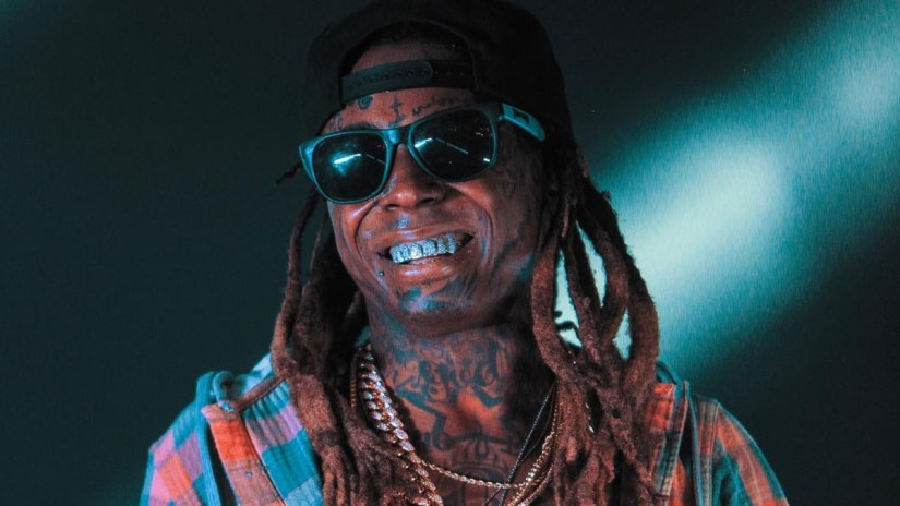 LIL' WAYNE ATTEMPTS TO BLOCK SALE OF HIS OLDNOTEBOOK